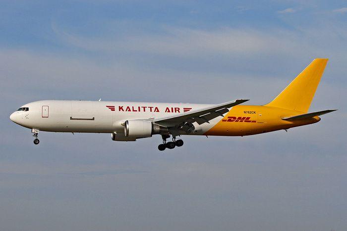 PRÉ- VENDA Phoenix 1:400 Kalitta Air (DHL) Boeing B767-300ER
