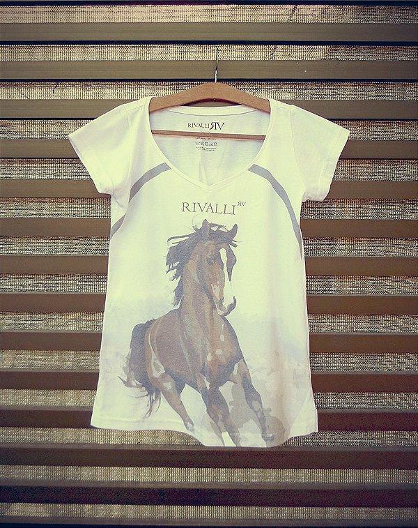 Camiseta Feminina com Estampa de Cavalo