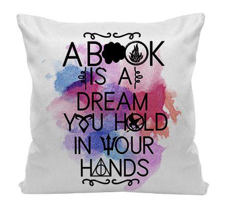 Almofada - Bookstagram - Um livro é um sonho que você segura em suas Mãos