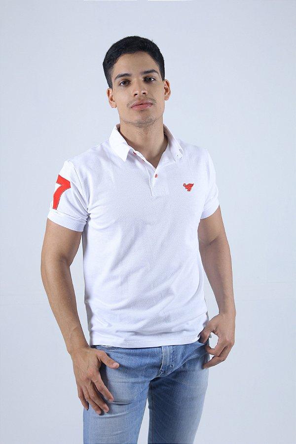 Camisa Polo Branca Com Detalhes Vermelho
