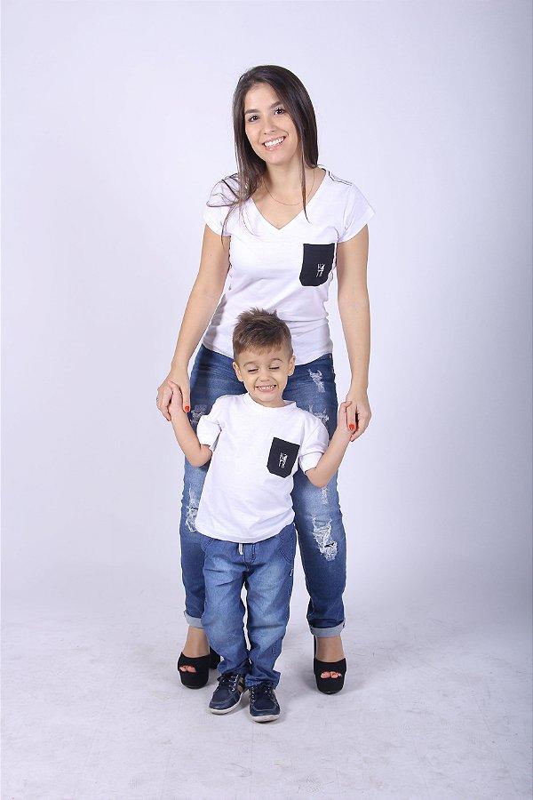 MÃE E FILHO > Kit Camisetas Brancas com Bolso Preto [Coleção Tal Mãe Tal Filho]