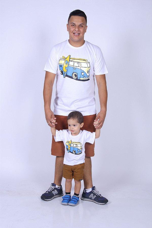 PAI E FILHO > Kit com 02 Camisetas Brancas com Estampa de Kombi [Coleção Tal Pai Tal Filho]