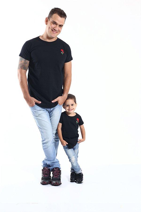 PAI E FILHO > Kit 02 Camisetas Long Pretas Bordadas com uma Rosa [Coleção Tal Pai Tal Filho]