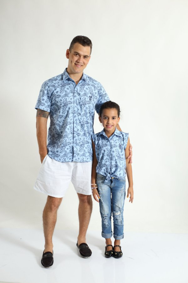 PAI E FILHA > Kit 02 Camisas Manga Curta Azul Floral  [Coleção Tal Pai Tal Filha]