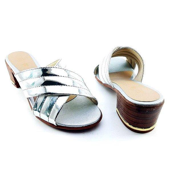 Sandália Salto Baixo Tiras Trançadas Prata Espelhadas Salto Amadeirado C23-223