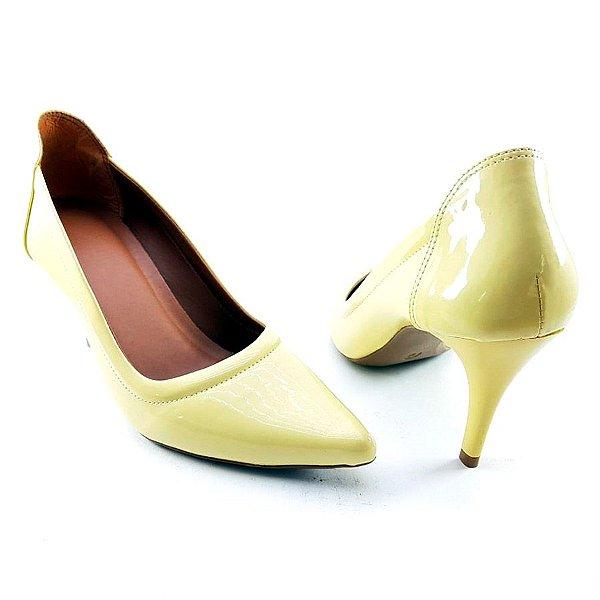 Scarpin Salto Fino em Verniz Amarelo Vintage - E25-237