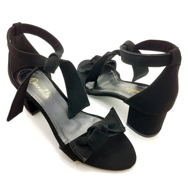 Sandália com Tecido Suede Preto e Tiras Salto Bloco Baixo - E36-293