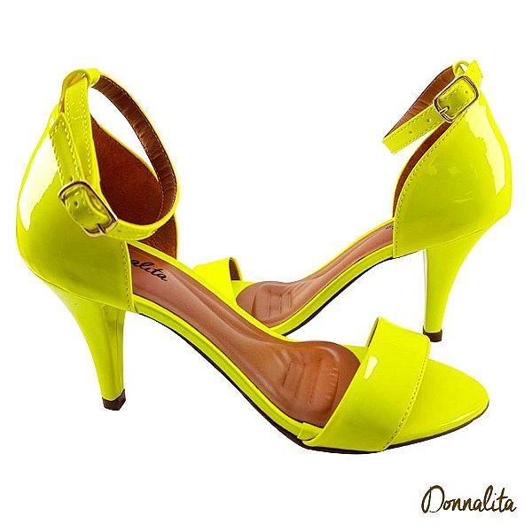 Sandália em Verniz Amarelo Neon - C26-341