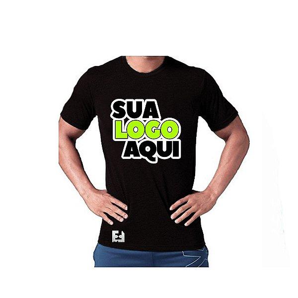 Modelo Camiseta Básica