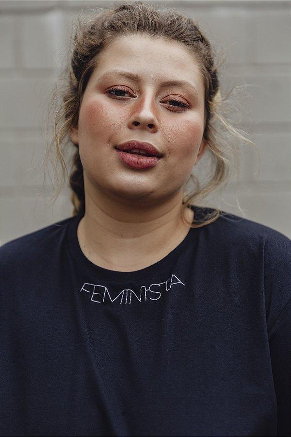 Camiseta Boyfriend Feminista Bordada Preta