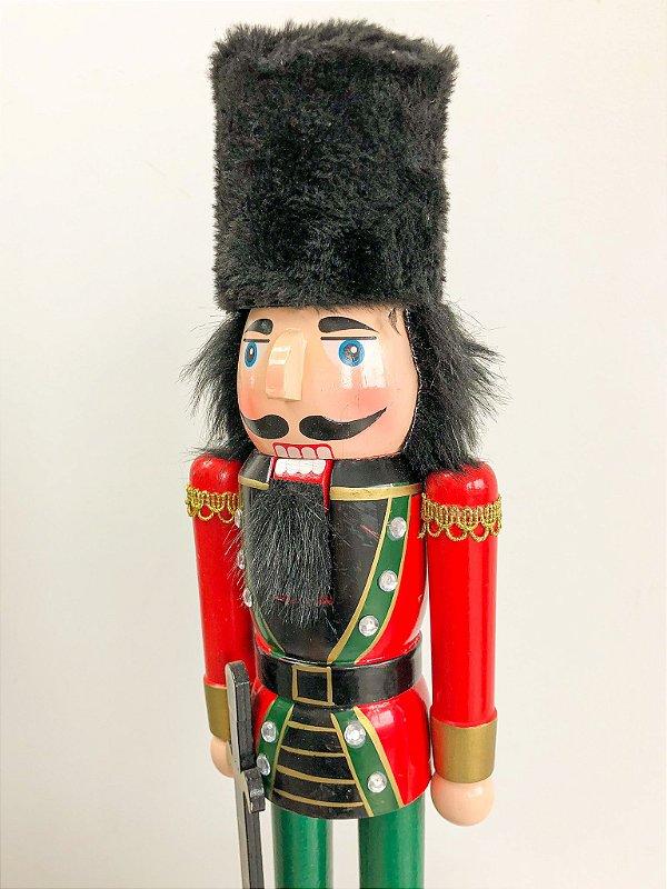Boneco Quebra Nozes vermelho e verde com espada - 40 cm