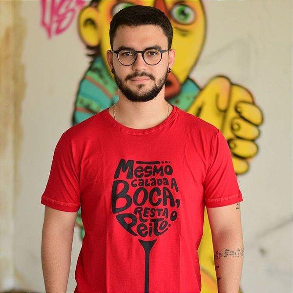 Camiseta Cálice Vermelha