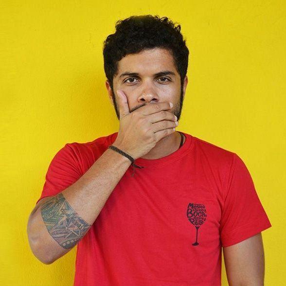 Camiseta Cálice Slim Vermelha