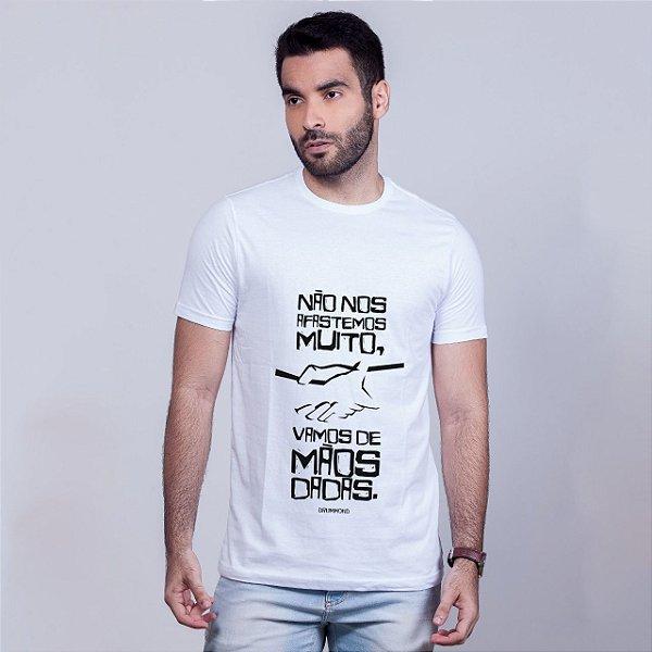 Camiseta Mãos Dadas Drummond Branca Amandrafts