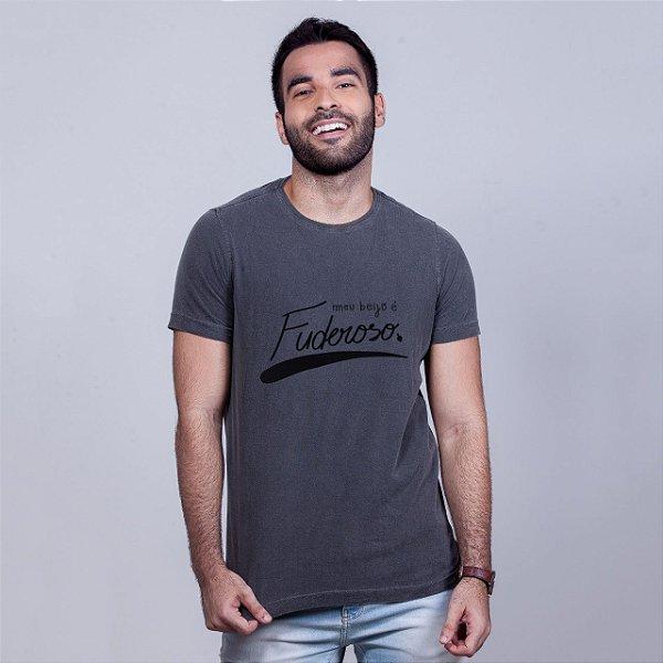Camiseta Estonada Beijo Fuderoso Chumbo