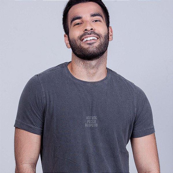 Camiseta Estonada Atitude Poder e  Respeito Chumbo