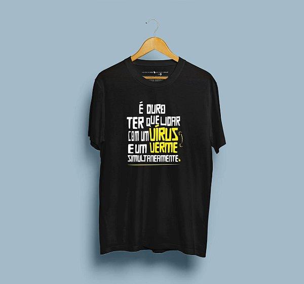 Camiseta Vírus Verme Preta