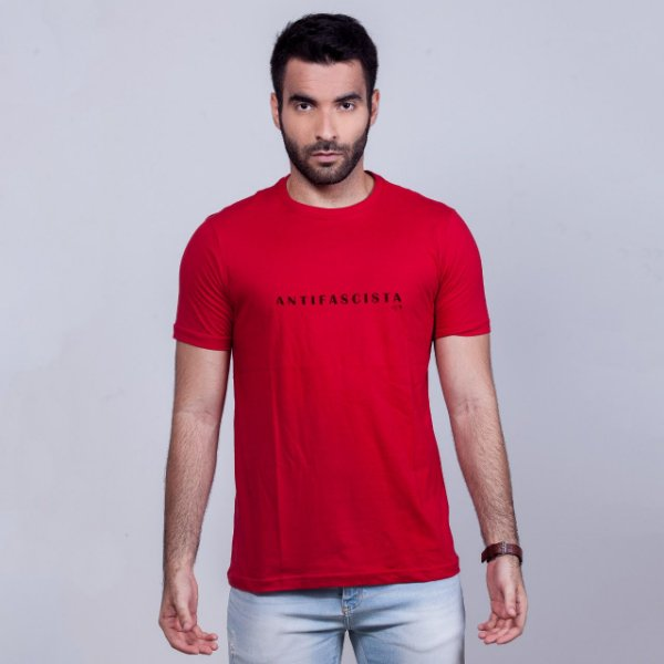 Camiseta Antifascista Vermelha