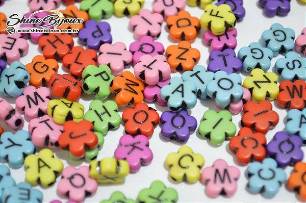Dados e contas de letras ABS para pulseiras colares e salva mascaras