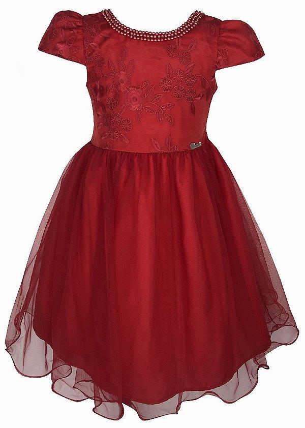 Vestido Juvenil Vermelho com Peito de Renda e Colar de Pérolas