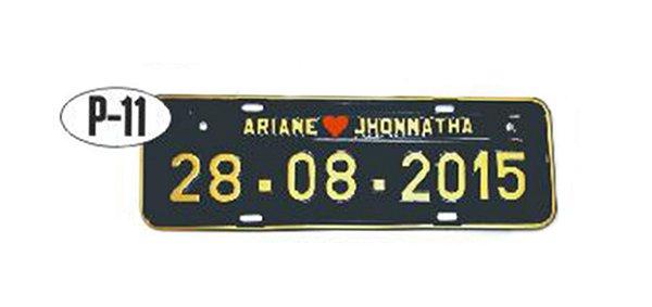 Placa de carro personalizada (Preto e dourado)