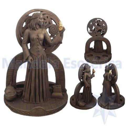 Deusa Celta Brigith no Altar Dourada com Porta Velas