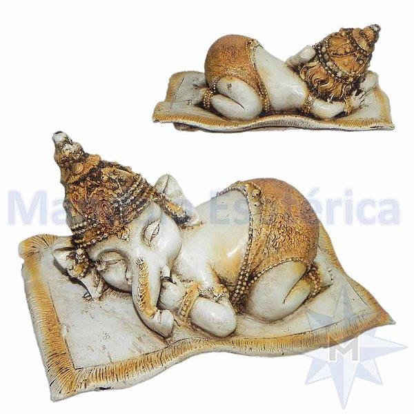 Ganesha Criança Deitado