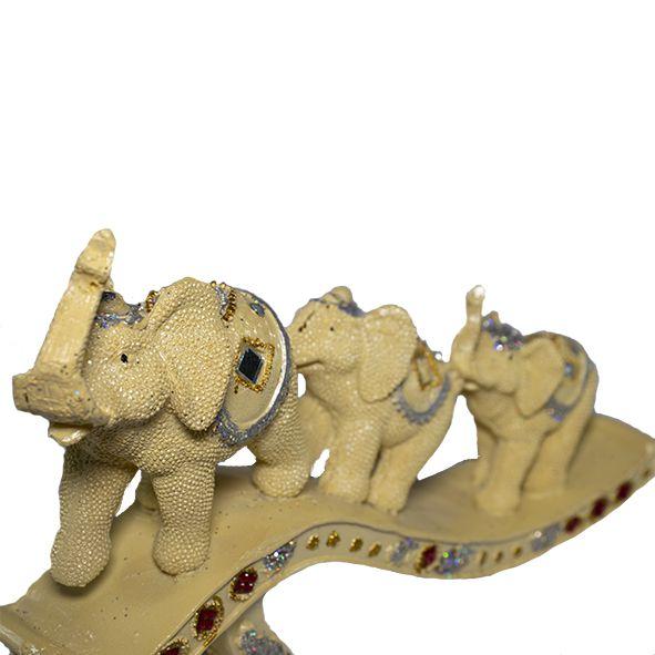 Trio de Elefantes em Fila Indiana Marfim