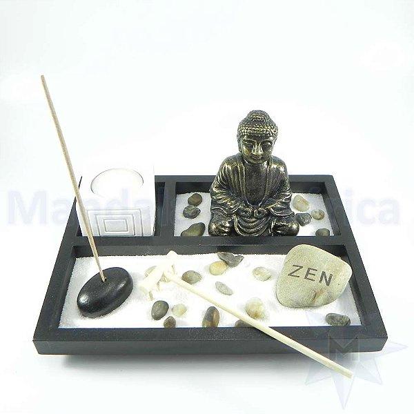 Jardim Zen com Buda e Porta Vela