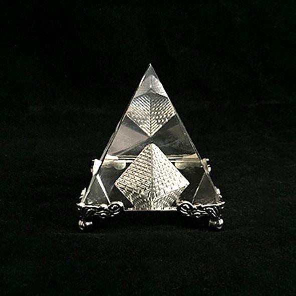 Pirâmide de Vidro Base Prata 6CM