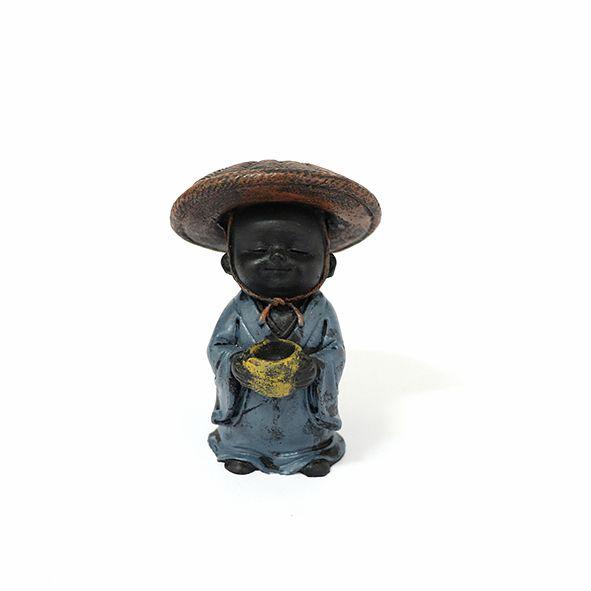 Monge Pequeno de Chapéu