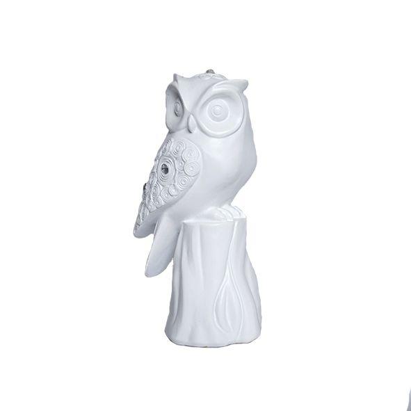 Coruja Branca no Pedestal