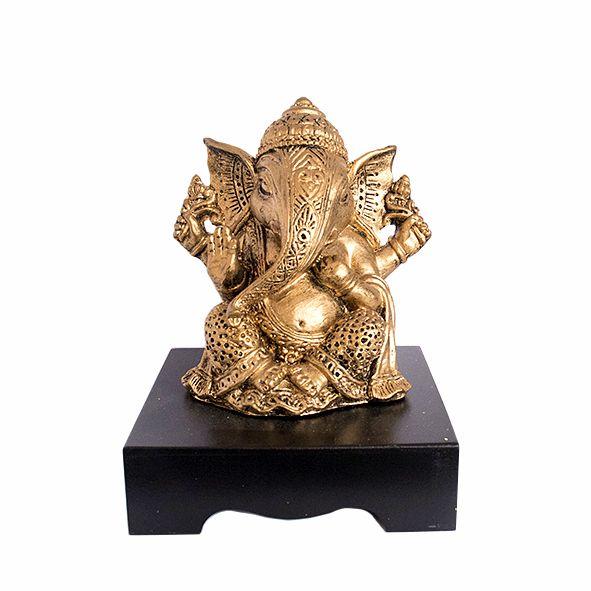 Ganesha Dourada na Base