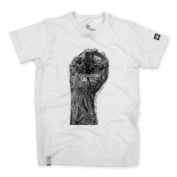 Camiseta Masculina Punho Negro