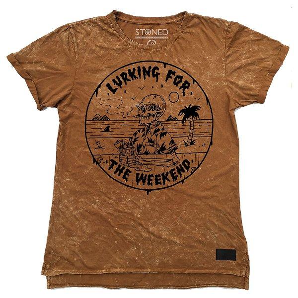 Camiseta Longline Estonada Lurking for Weekend