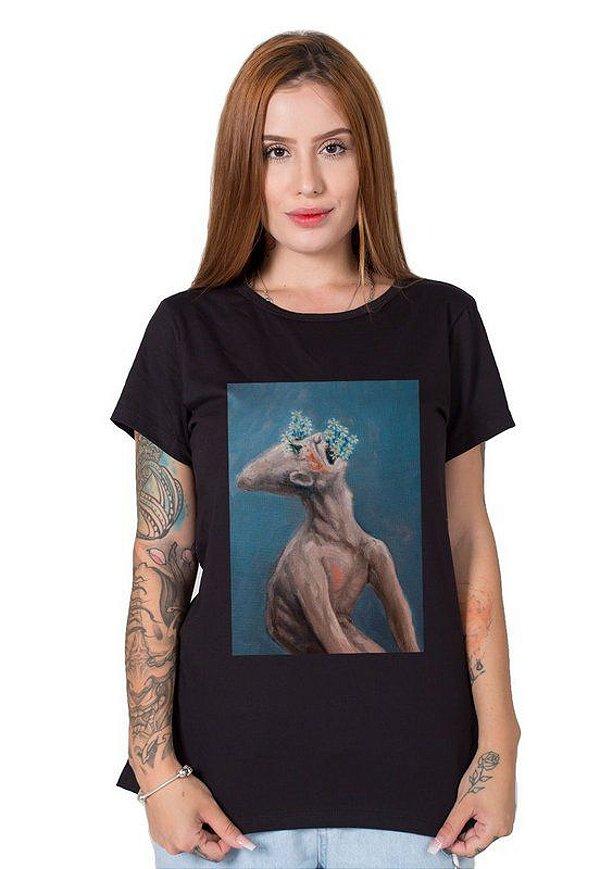 Camiseta Feminina Homem sufocado pela sua própria delicadeza