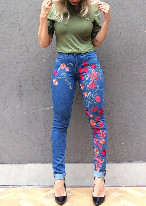 Calça Skinny Floral Paolla