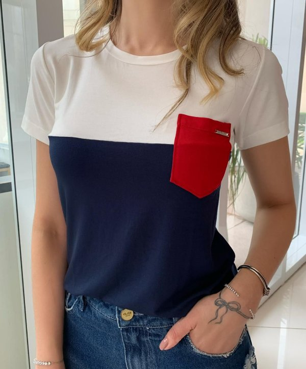 T-shirt Vânia Branco e Marinho