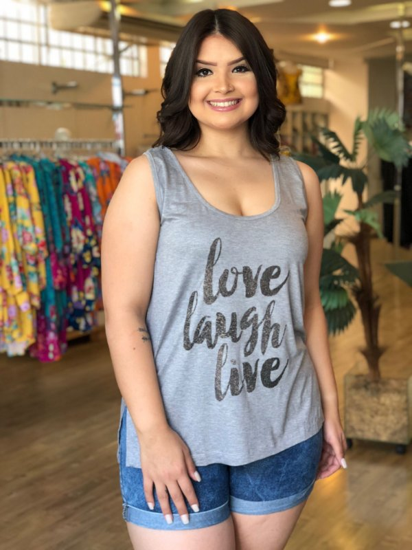 Blusa Love Laugh Live