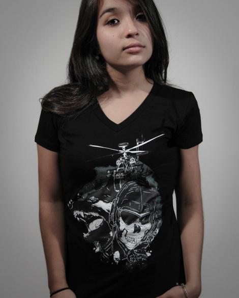 Camiseta Feminina Call of Duty Ghosts