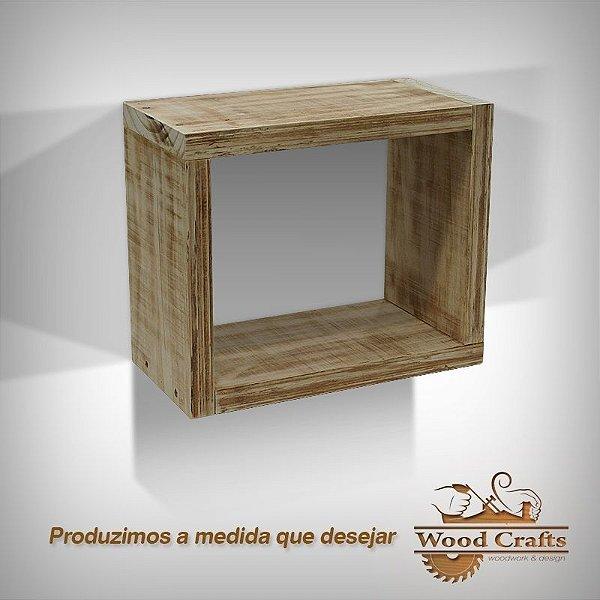 Nicho Decorativo com Madeira Envelhecida - 50x40x25cm