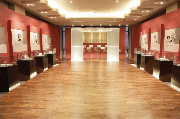 Piso vinìlico Manta LG PALACE cores N°02 # 1,50 mm / rolo 50 m²