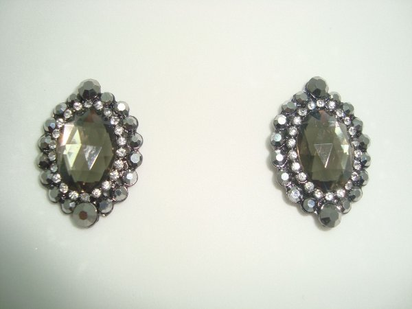 Brinco Pequeno - Pedras cristais e hematita