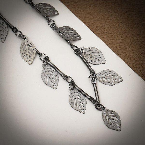 Colar folhas choker ródio negro