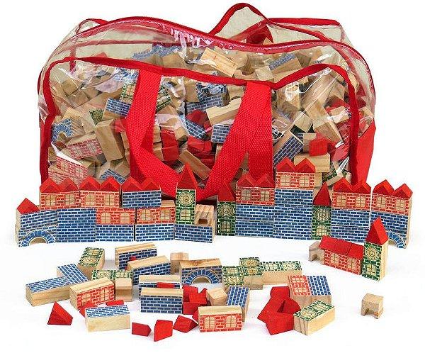 Sacolão Arquiteto com 700 peças em madeira colorida na mochila