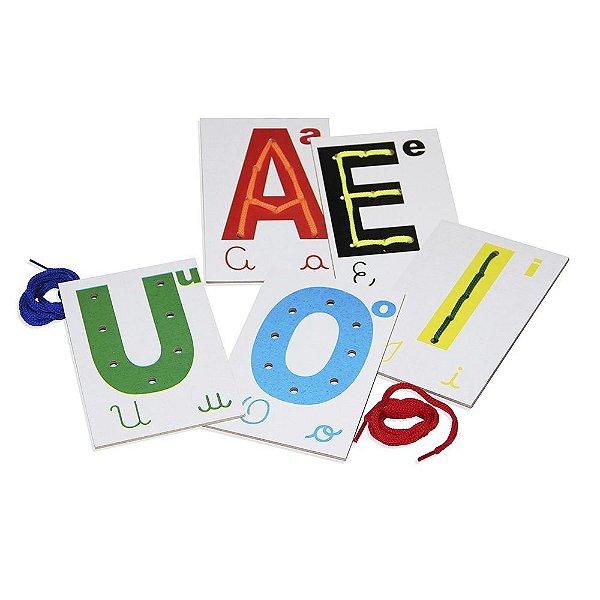 Alinhavos vogais em MDF com 5 pecas e 5 cad. - Emb. plast.