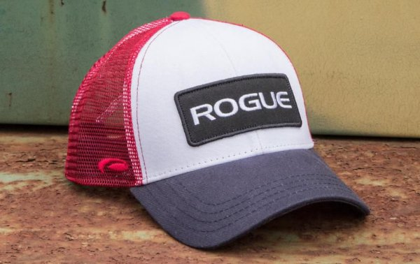 Boné Rogue Patch Trucker Hat -Cor Branco Azul Vermelho
