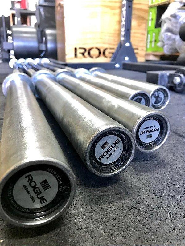 Barra Olímpica Masculina ROGUE 28.5mm 2.0 Eixo Cor Preto Zincado com Mangas Prateadas (seminovo)