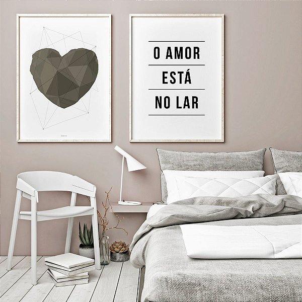 Conjunto de Poster O Amor Está no Lar + Coração Geométrico Cinza 50x70 cm Cada - Molduras Brancas