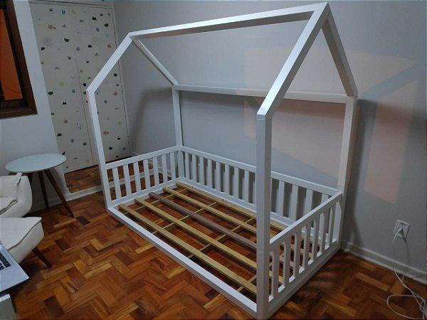 Cama Montessori para criança (com estrado) - Colchão de solteiro - Em MDF - TreeMobili